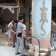 ERN - Derek Jungarrayi Thompson's Wanampi being moved to the Jingdezhen Big Pot Factory kiln room